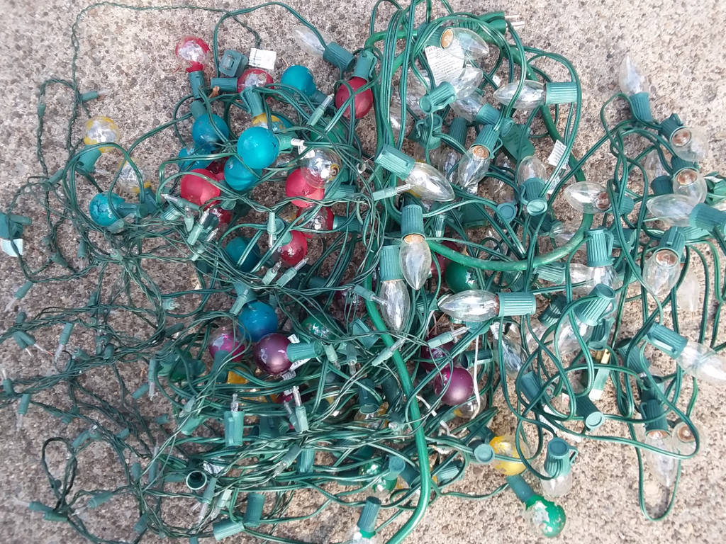 Lowes Christmas Light Recyling 2021 How To Recycle Christmas Lights Green And Grumpy